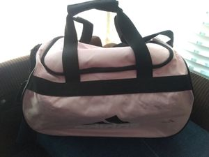 Adidas med pink duffle bag for Sale in Anaheim, CA