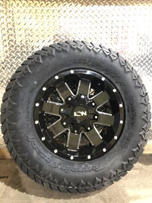 Brand New Ion 141 17x9 with 285/70/17 Amp AT tires for Sale in Ottumwa, IA