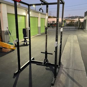 New Power Cage Squat Rack w/ Lat Pulldown, Low Row / Bench Press for Sale in Whittier, CA