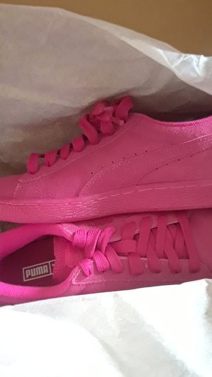 Pink Puma for Sale in Cleveland, OH
