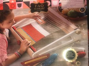 8 Piece Craft Weaving Loom for Sale in Los Angeles, CA
