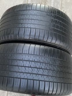 2 tires 275 /40/19 Michelin for Sale in Bakersfield,  CA