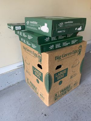 LARGE BIG GREEN EGG BRAND NEW SEALED WITH 3 extra accessories for Sale in Lawrenceville, GA