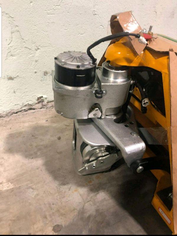 Forklift (Full electric pallet jack)
