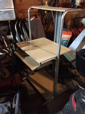 Small computer desk cart for Sale in Fenton, MO