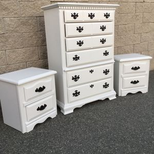 Elegant White Color Chest Drawers Dresser /drawers Nightstands for Sale in Lake Elsinore, CA