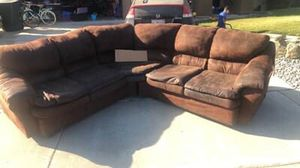 Free Sectional! Come pick it up it's all yours. for Sale in Hanford, CA