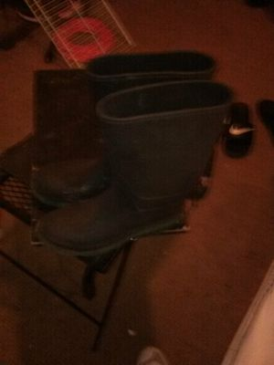 Weather boots for Sale in Farmville, VA