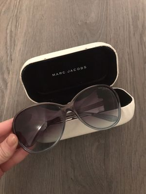 Marc jacobs sunglasses for Sale in Chicago, IL