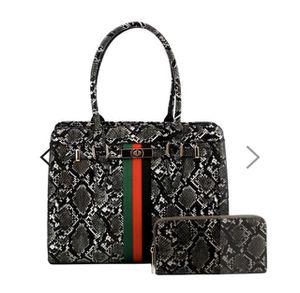 Snake print vegan leather handbag for Sale in El Mirage, AZ