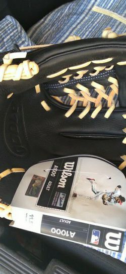 Baseball Glove A1000 for Sale in Cypress,  CA
