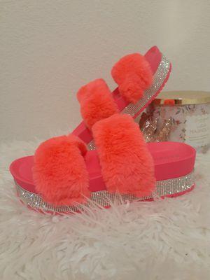 Flury hot pink for Sale in Little Elm, TX