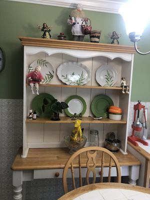 Old fashion wood kitchen table with shelfs for Sale in Alexandria, VA