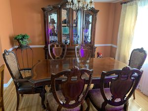 Dining Room Set for Sale in Williamsville, NY