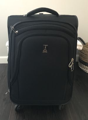 Travelpro Carry-on Spinner Suitcase for Sale in Boston, MA