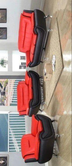 ESPECIAL] Matilde Rojo / Negro 3-Piece Set Sala for Sale in Pflugerville, TX