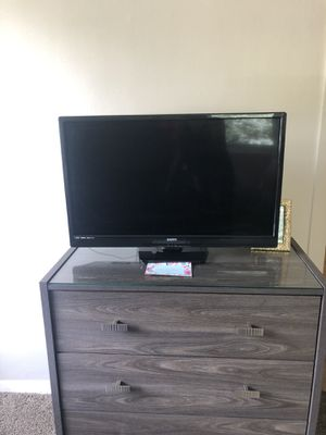 """TWO """"32"""" TV'S for $250 for Sale in Parma, OH"""