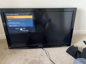 Panasonic tv for Sale in LEWIS MCCHORD, WA