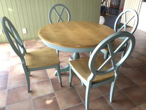 Kitchen table and chairs green, Bassett for Sale in Burien, WA