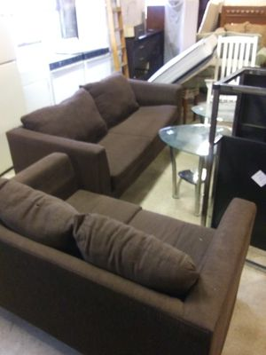 2piece couch an loveseat for Sale in Hampton, VA