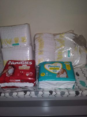 Brand New Pampers Swaddlers, Huggies Snugglers Diapers size Newborn 174 count for Sale in Pensacola, FL