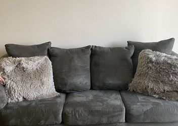 Grey Plush Sofa for Sale in Palos Heights,  IL