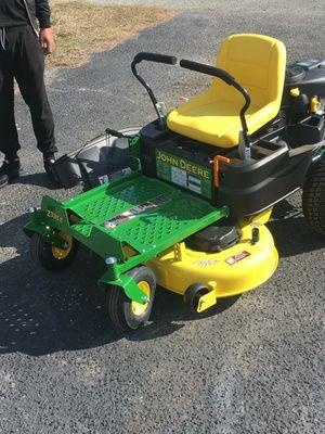 John deere zero turn 42inch lawn mower for Sale in Forest Heights, MD