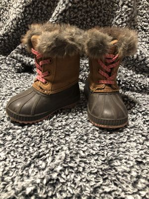 Toddler girl snow boot size 5t for Sale in Tacoma, WA