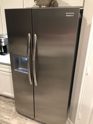 Frigidaire Refrigerator for Sale in Spring, TX