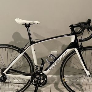 Specialized Alias and Women's and Sport bicycle 54 cm for Sale in Delray Beach, FL