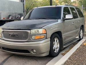 Lowered 2003 GMC yukon denali 6.0 up for trade. Looking for a truck for Sale in Phoenix, AZ