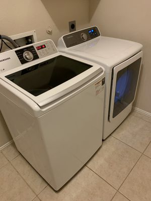 SAMSUNG WASHER AND GAS STEAM DRYER for Sale in Pasadena, TX