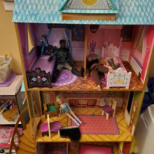 Frozen Doll House With Dolls And Furniture for Sale in Glen Burnie, MD