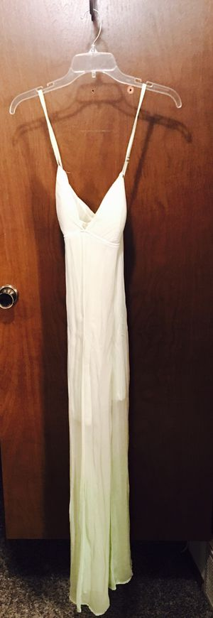 Guess brand maxi dress for Sale in Tacoma, WA