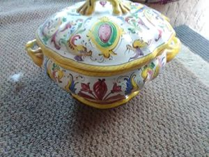 Vintage hand painted Italian Soup Tourine for Sale in Hayward, CA
