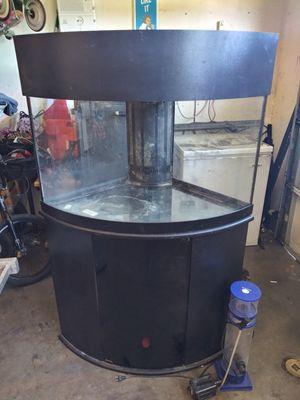 Nice ....... Corner .... Glass ... Fish tank for Sale in Moreno Valley, CA