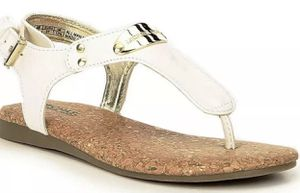 NWB MICHAEL KORS SANDALS SIZE 7 $$40 for Sale in Moreno Valley, CA