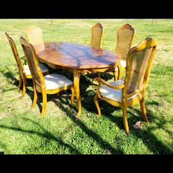 ❤Beautiful❤French Provincial Dining Table Set(Read👇👇👇) for Sale in Ontario,  CA