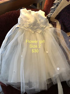 Flower girl size 2 for Sale in Hamilton, IL