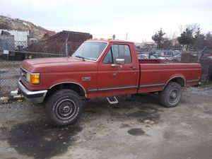 1990 Ford F250 4x4 200k miles 5-Speed runs and drives!!! for Sale in Fort Washington, MD