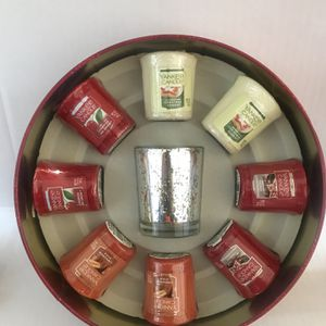 Yankee Candle Samplers Votive Candle Tin Set with Lid & 4 Variety Of Scents-New- for Sale in El Sobrante, CA