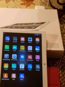 ANDROID TABLET WITH CASE for Sale in Burbank,  IL