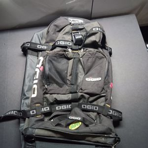 Ogio Camping Backpack for Sale in Los Angeles, CA