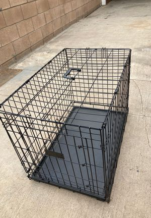 Dog crate, medium for Sale in Moreno Valley, CA