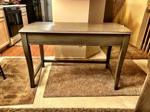 BRAND NEW WOOD DESK WITH LIFT TOP STANDING DESK. GREY. SHARP AND SOLID! for Sale in Columbus, OH
