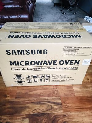 👀 Samsung 2.1 Cu. Ft. Over the Range Microwave Black Stainless Steel range hood( New in unopened Box) for Sale in Edmonds, WA
