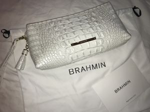 Authentic Brahmin white alligator clutch or wristlet! for Sale in Crestwood, KY