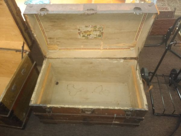 Vintage Chest For Sale In Tampa Fl Offerup