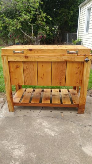 Cedar cooler chest for Sale in Troutdale, OR
