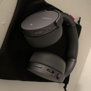 Sony wireless headphones MDRXB950N1 for Sale in Channelview, TX